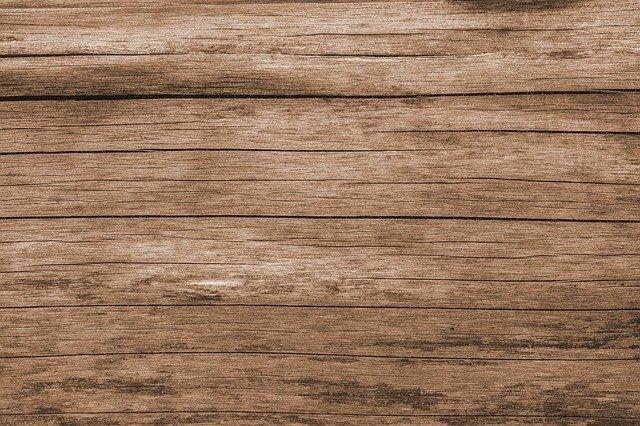 podłoga z desek sosnowych